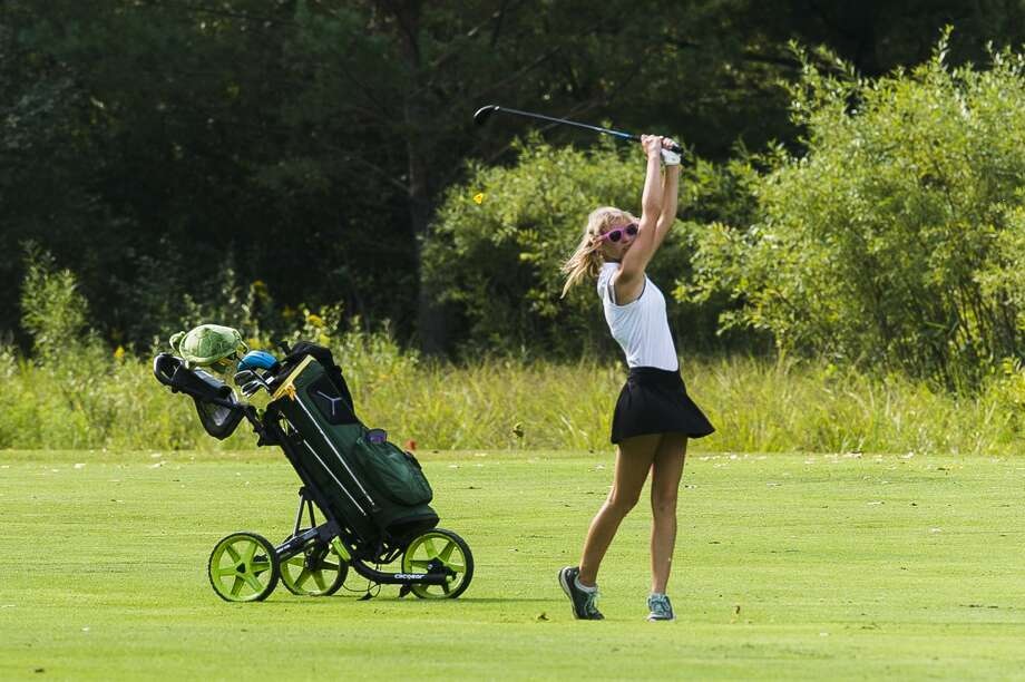 Dow's Rachel Rassette competes in the Frank Altimore golf invitational Thursday, Aug. 27, 2020 at Currie Golf Course in Midland. (Katy Kildee/kkildee@mdn.net) Photo: (Katy Kildee/kkildee@mdn.net)