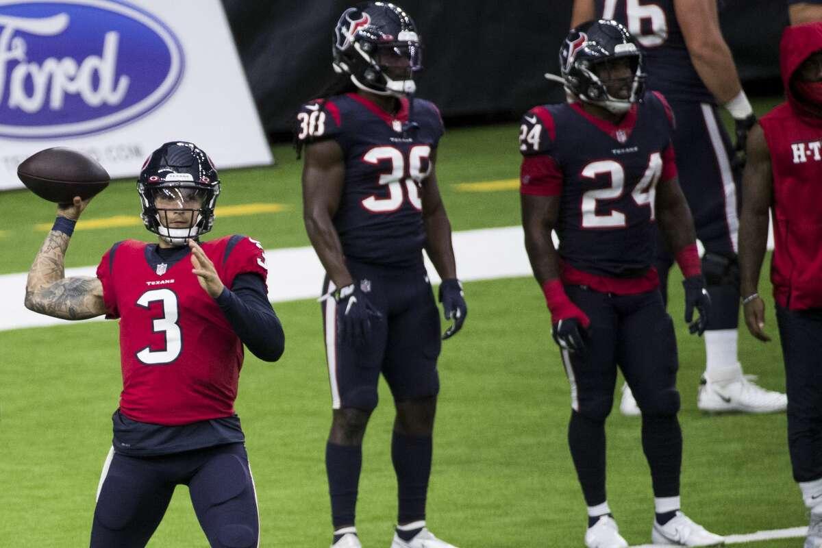 Houston Texans quarterback Alex McGough (3) throws a warm up pass during an NFL training camp football practice Thursday, Aug. 27, 2020, in Houston.