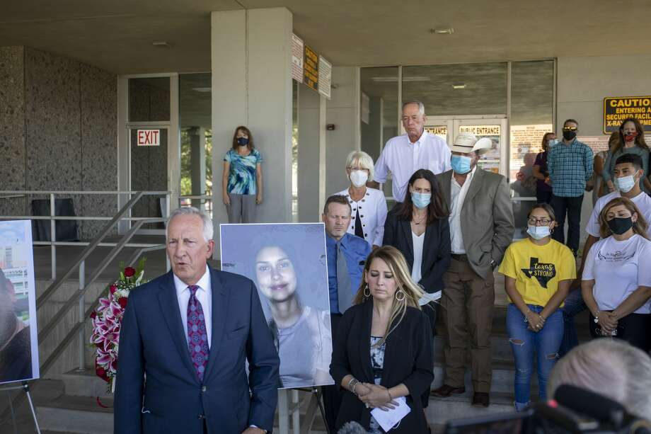 Attorney John Sloan addressed the press about the lawsuit filed against the gun seller and gun manufacturer on Friday, Aug. 28, 2020 at the Ector County Courthouse. Jacy Lewis/Reporter-Telegram Photo: Jacy Lewis/Reporter-Telegram / MRT