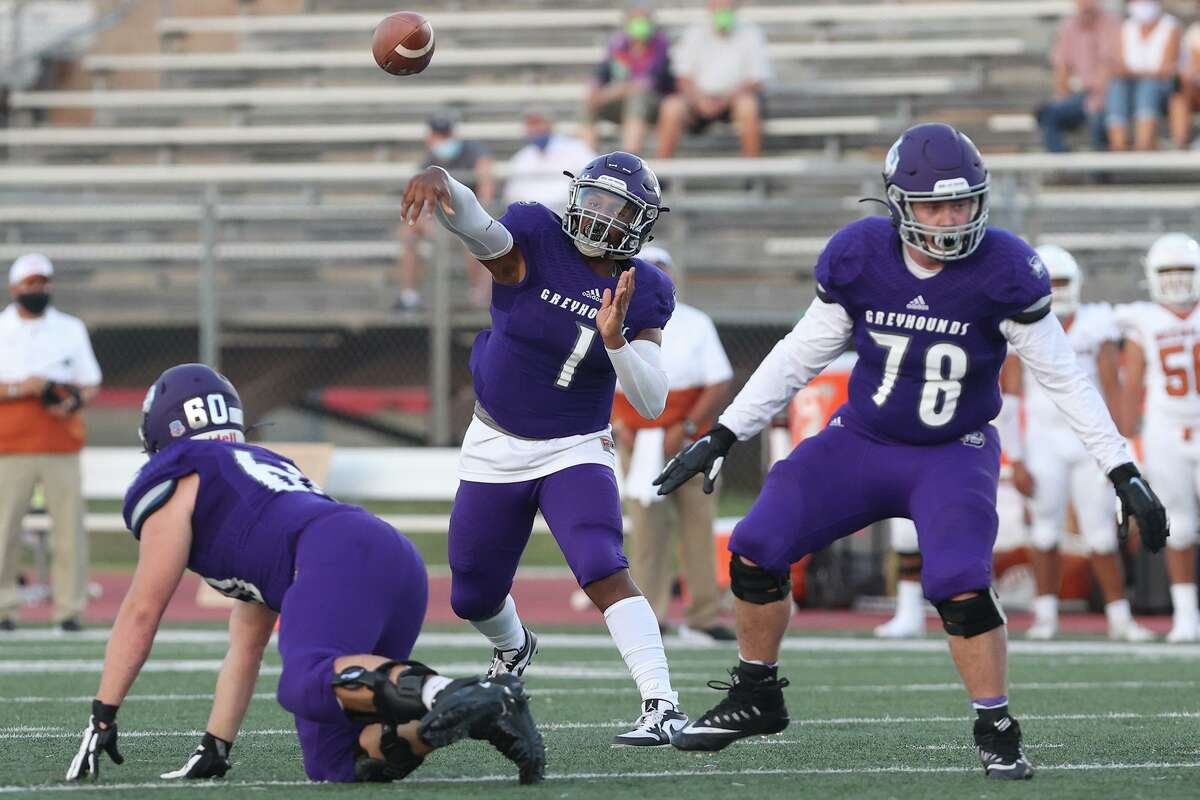 Boerne and quarterback Rashawn Galloway will try to get their potent offense back on track Friday in a District 14-4A-I showdown against La Vernia.