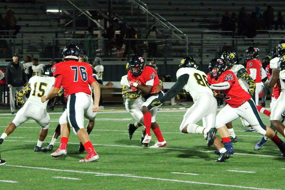 Dawson's Jaden Stewart (21) should bolster the Eagle offense this fall and winter.