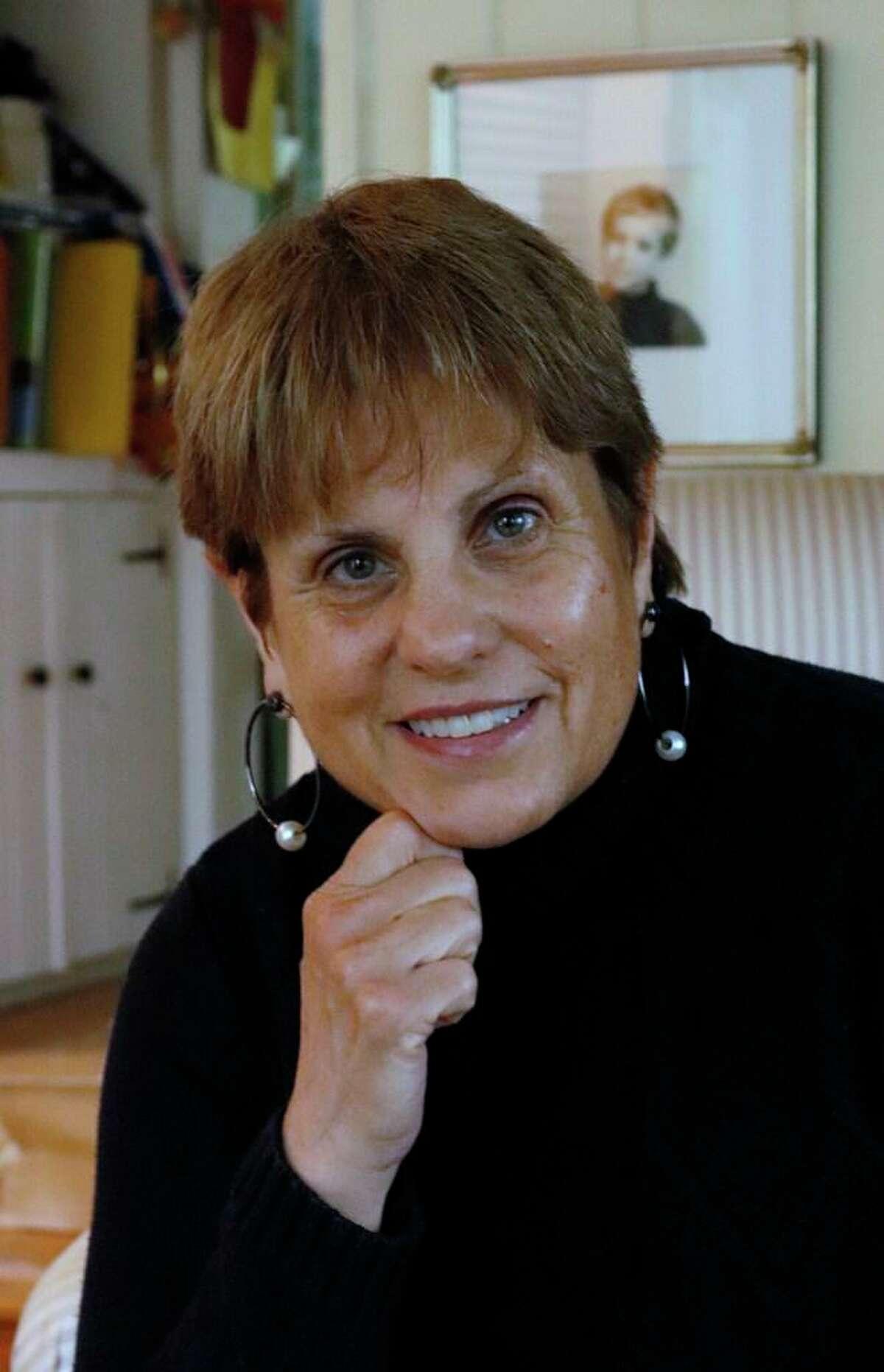 Deborah DiSesa Hirsch