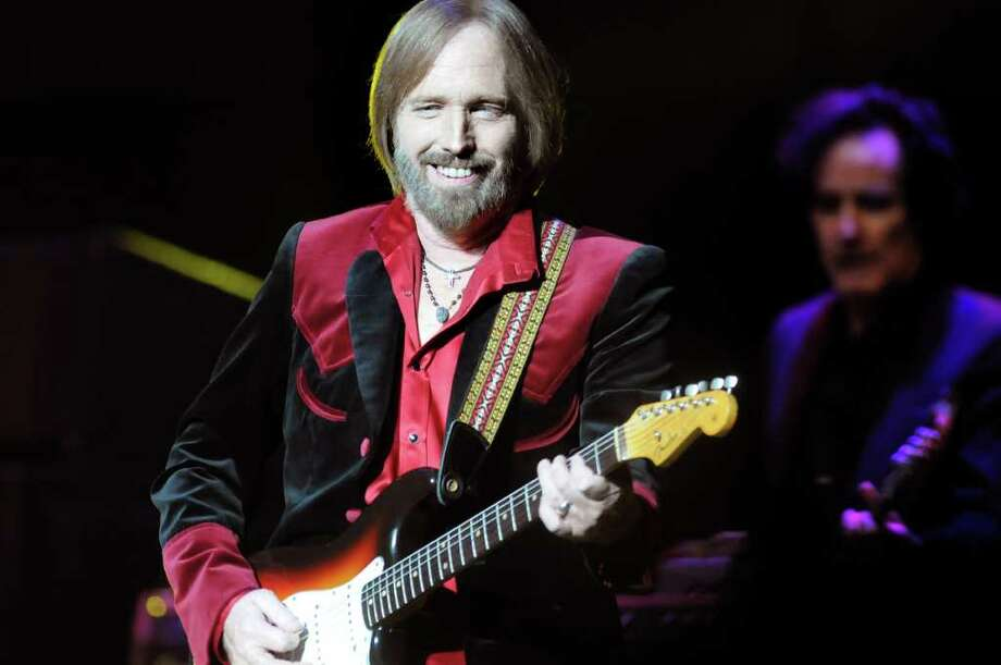 Tom Petty performs with the Heartbreakers on Friday, Aug. 27, at Saratoga Performing Arts Center in Saratoga Springs. (Cindy Schultz / Times Union) Photo: Cindy Schultz