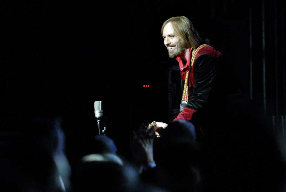 Tom Petty performs with the Heartbreakers on Friday, Aug. 27, at Saratoga Performing Arts Center in Saratoga Springs. (Cindy Schultz / Times Union)