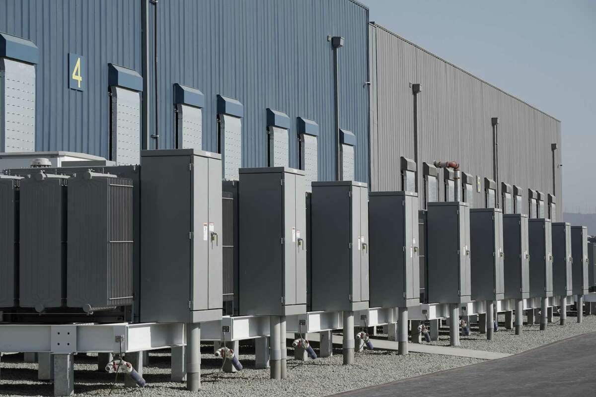 Power inverters outside the LS Power Group Gateway Energy Storage project in Otay Mesa, California, U.S., on Monday, Aug. 17, 2020. As the threat of blackouts continues to plague California, officials are pointing to battery storage as a key to preventing future power shortfalls.