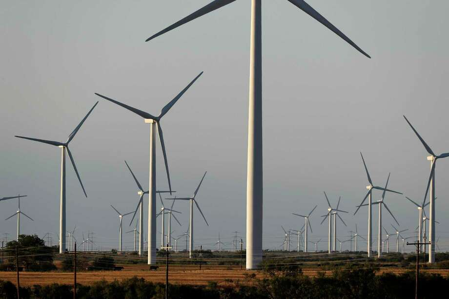 Renewable energy will be the fastest growing source of electricity generation in the United States this year, according to a new report. Photo: Tony Gutierrez, STF / Associated Press / Copyright 2020 The Associated Press. All rights reserved.