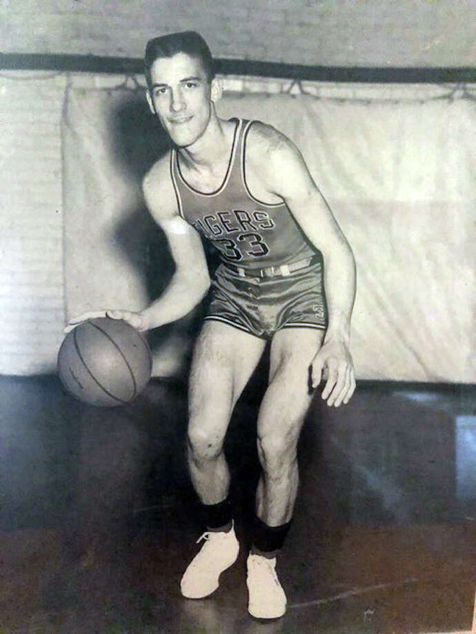 Edwardsville graduate Don Ohl was an All-State player for EHS during his senior season in 1954. Photo: For The Intelligencer