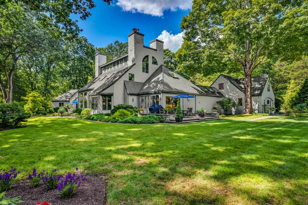 86 Wells Hill Rd, Easton, CT 06612 Easton's rural compound is home to bright, open spaces, multiple patios, a pool and intimate family rooms.