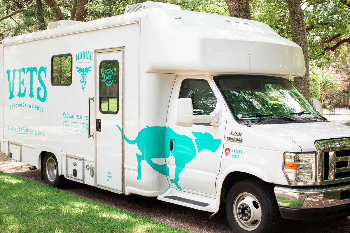 Rockin' Pets, Rollin' Vets is a full-service, mobile veterinary clinic operating in Houston that makes house calls to tend to your pets' medical needs.