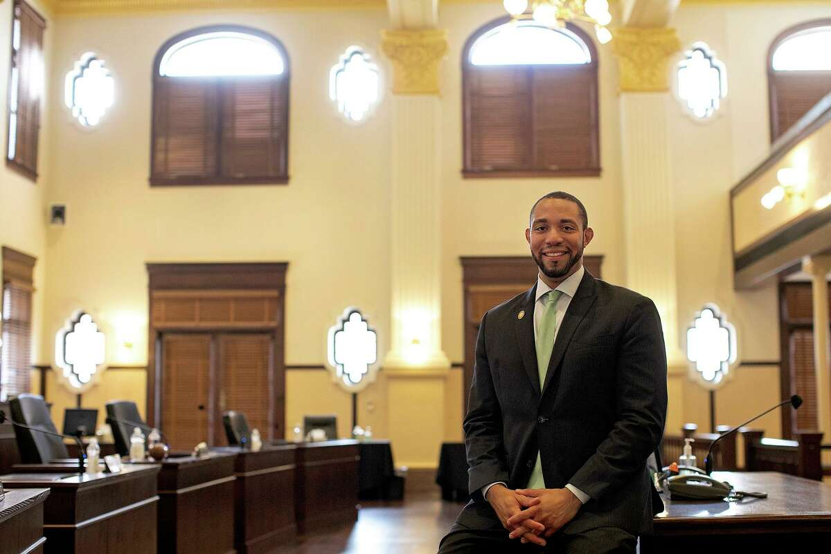 Bexar County Commissioner Tommy Calvert wants the county to set aside $2 million for rapid COVID-19 testing for uninsured residents in the event of a second wave of the coronavirus this fall.