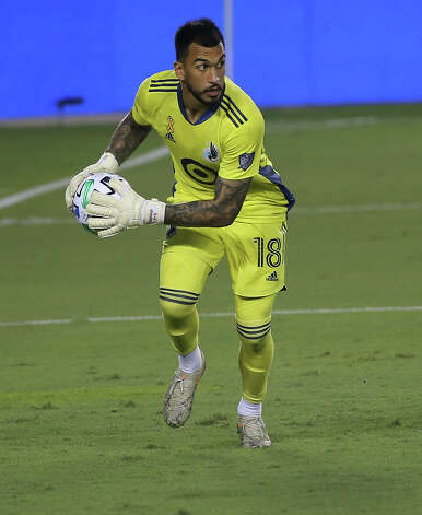 Minnesota United goalkeeper Greg Ranjitsingh (18) catches a shot by the Houston Dynamo during the first half of a MLS match Wednesday, Sept. 2, 2020, at BBVA Stadium in Houston. Photo: Yi-Chin Lee, Staff Photographer / © 2020 Houston Chronicle