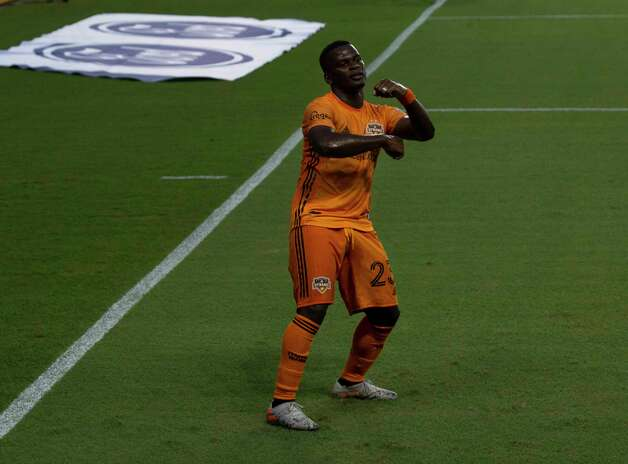 Houston Dynamo forward Darwin Quintero (23) celebrates his goal at the 28th minutes of a MLS match against the Minnesota United with his dance moves Wednesday, Sept. 2, 2020, at BBVA Stadium in Houston. Photo: Yi-Chin Lee, Staff Photographer / © 2020 Houston Chronicle
