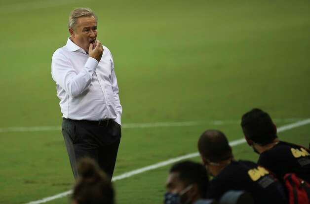 Minnesota United Head Coach Adrian Heath is photographed during the first half of a MLS match against the Houston Dynamo Wednesday, Sept. 2, 2020, at BBVA Stadium in Houston. Photo: Yi-Chin Lee, Staff Photographer / © 2020 Houston Chronicle