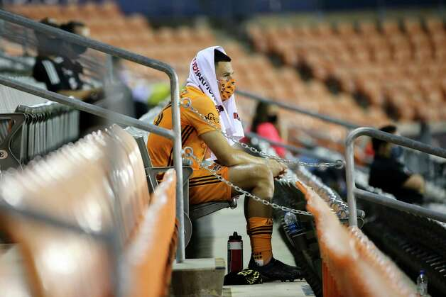 Houston Dynamo forward Christian Ramirez (13) watches the second half of a MLS match against the Minnesota United Wednesday, Sept. 2, 2020, at BBVA Stadium in Houston. The Houston Dynamo defeated the Minnesota United 3-0. Photo: Yi-Chin Lee, Staff Photographer / © 2020 Houston Chronicle