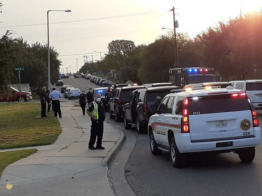 """Law enforcement presence can be seen on Thursday morning in this area. Laredo police said that Shiloh Drive was shutdown between Shama Circle and McPherson Road for an """"ongoing situation."""" Photo: Cuate Santos /Laredo Morning Times"""