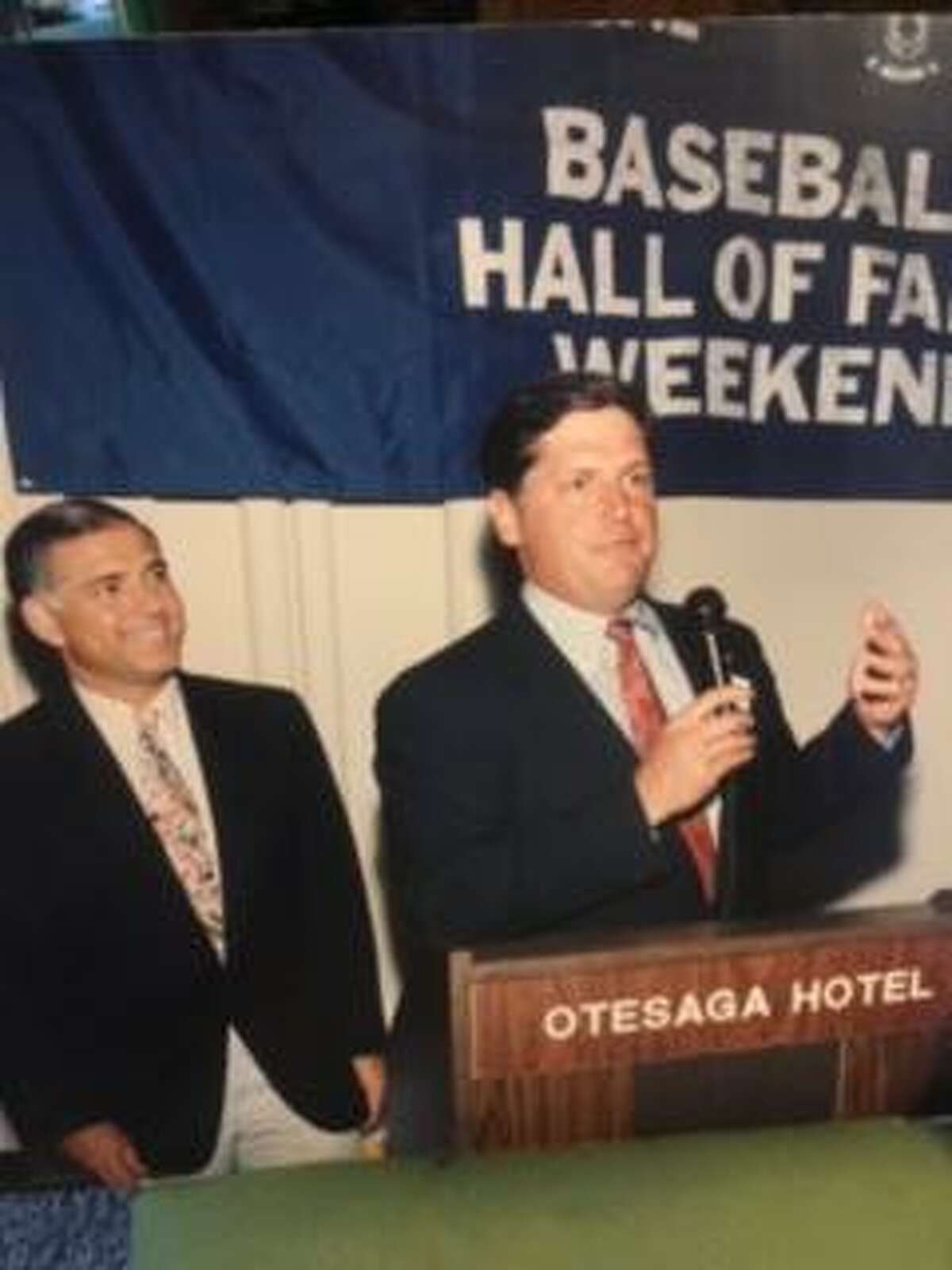 Hamden's George Grande (left) watches as Tom Seaver delivers a speech prior to his induction into the National Baseball Hall of Fame in 1992.
