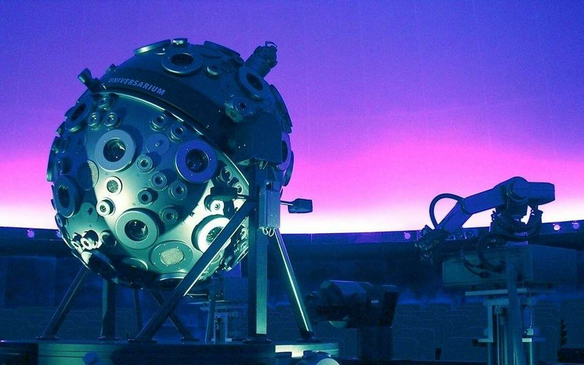 The Chabot Science and Space Center is auctioning off a personal planetarium show as part of its effort to make up some of its losses from the pandemic.