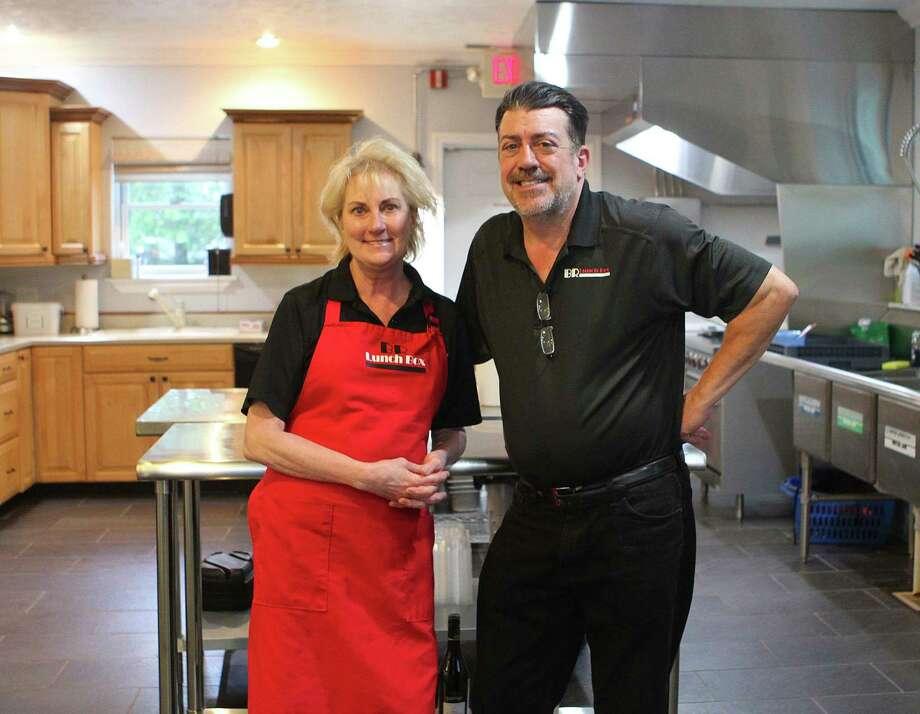 Jean et Jonathan Yordy, propriétaires de BR Lunch Box, ont dit qu'ils aiment fournir à la communauté de la région de Big Rapids des repas frais, locaux et savoureux tout au long de la semaine. (Photo Pioneer/Taylor Fussman)