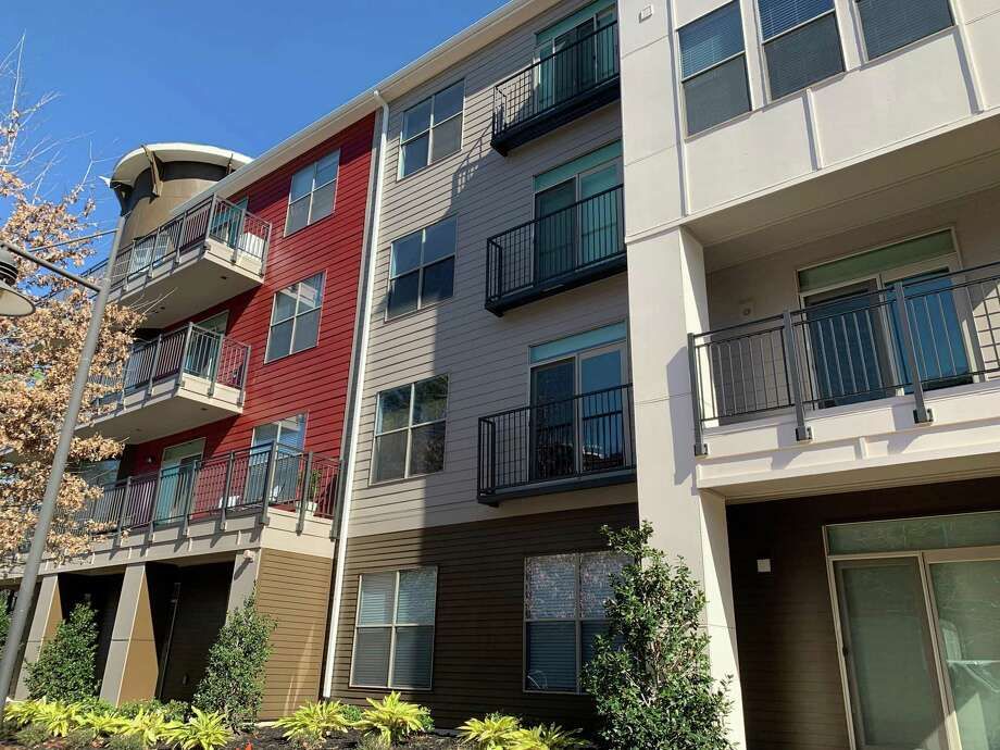 Despite the ongoing pandemic, prices for rent are dramatically decreasing in the Houston area. Photo: Courtesy Images / Courtesy Images