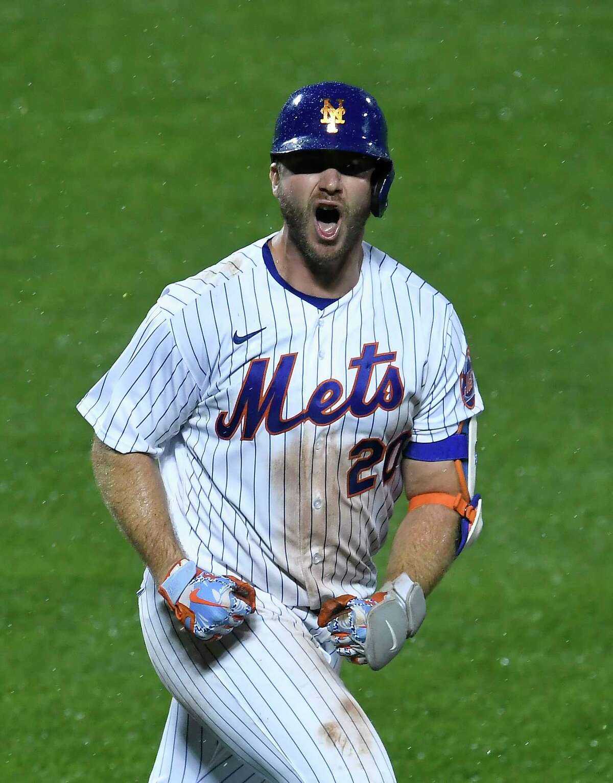 NEW YORK, NEW YORK - SEPTEMBER 03: Pete Alonso #20 of the New York Mets reacts after hitting a two-run walk-off home run during the tenth inning against the New York Yankees at Citi Field on September 03, 2020 in the Queens borough of New York City. The Mets won 9-7. (Photo by Sarah Stier/Getty Images)