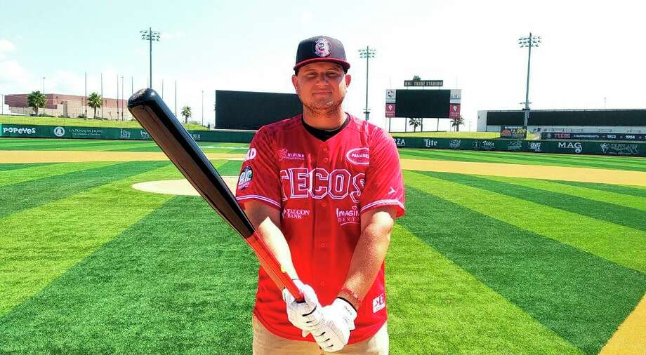 Tecolotes Dos Laredos first baseman Balbino Fuenmayor is participating in an autograph session Saturday at Uni-Trade Stadium and will host a batting clinic on Monday. Photo: Courtesy Of The Tecolotes Dos Laredos