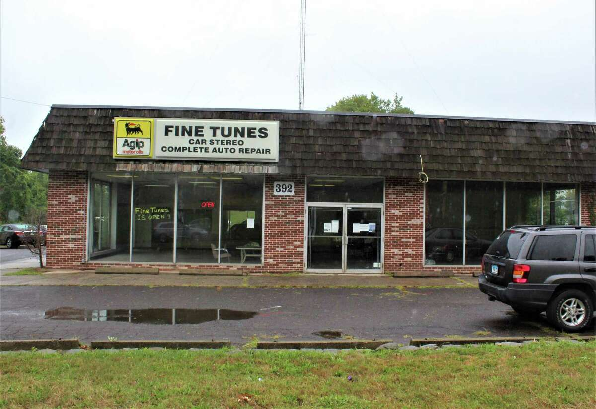 Members of Middletown's Planning and Zoning Commission are considering a proposal to make a special exception to allow a methadone clinic to go into the 392 Washington St. building on Route 66. Fine Tunes auto repair operates out of the rear of the facility.