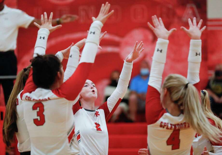 Splendora players celebrate after a block by outside hitter Melaney Owens during the second set of a non-district high school volleyball match, Friday, Sept. 4, 2020, in Splendora. Photo: Jason Fochtman, Houston Chronicle / Staff Photographer / Houston Chronicle