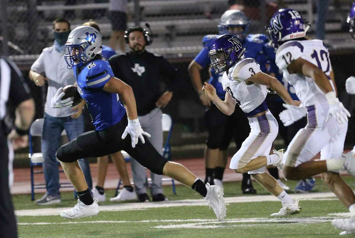 La Vernia's Daryl Dulak (02) runs for 48 yards on a kick return against Navarro in the third quarter during their football game at La Vernia on Friday, Sept. 4, 2020.
