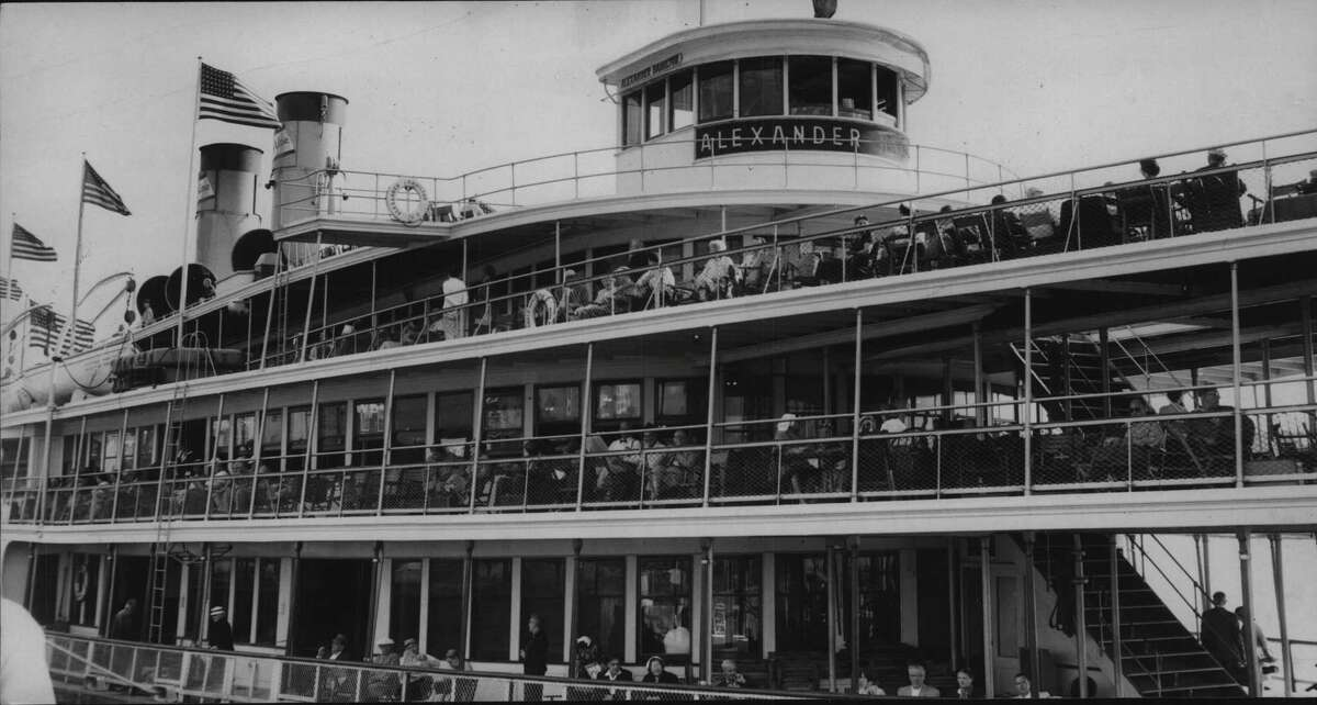 Labor Day cruise on the Alexander Hamilton Dayliner, New York. September 2, 1958 (Times Union Archive)