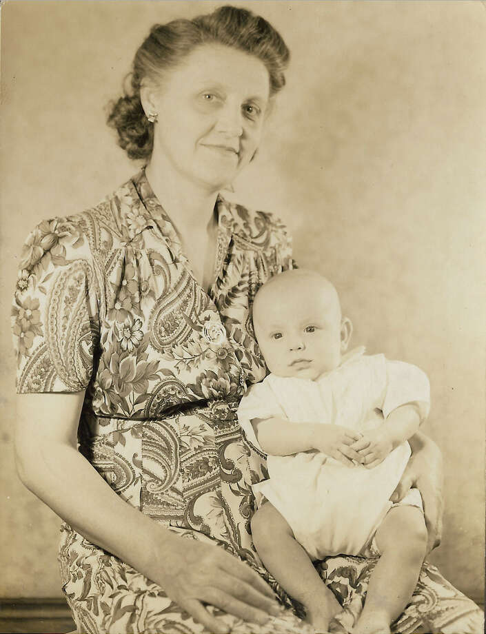 Annie Donahoe Clifton holds son Bobby Clifton in 1945. Photo: Courtesy Bobby Clifton / Courtesy Bobby Clifton