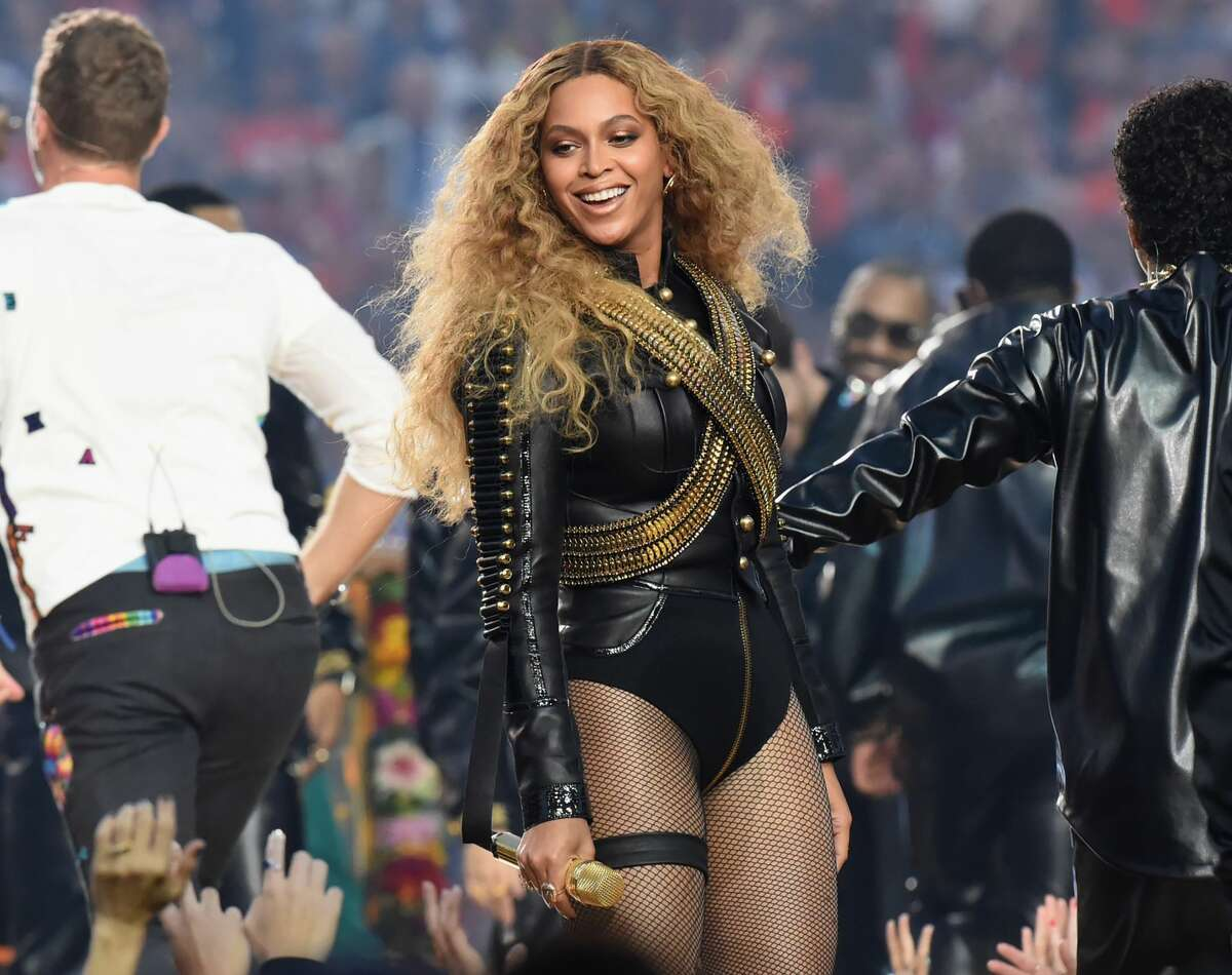 Beyonce (R) performs onstage during the Pepsi Super Bowl 50 Halftime Show at Levi's Stadium on February 7, 2016 in Santa Clara, California. (Photo by Jeff Kravitz/FilmMagic)