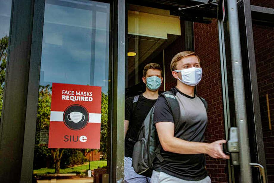 Southern Illinois University Edwardsville students leave the Morris University Center on Friday afternoon. Photo: Tyler Pletsch | Intelligencer