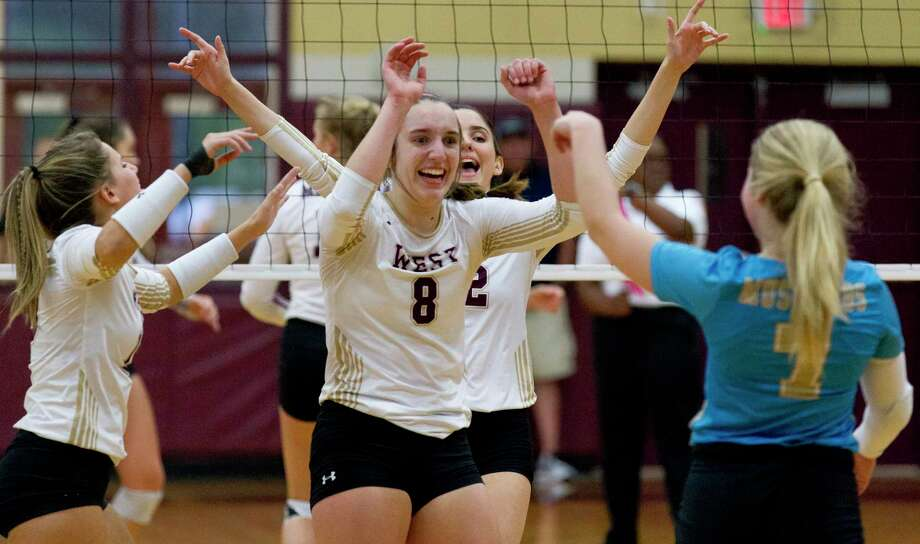 Outside hitter Alyssa May (8) is one of the top returning players for Magnolia West. Photo: Jason Fochtman, Houston Chronicle / Staff Photographer / Houston Chronicle