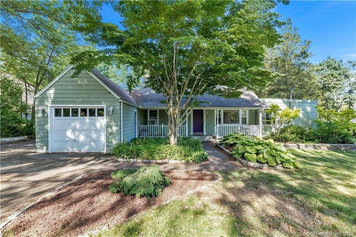 Hamden: 209 Vineyard Road Price: $299,000 Home type: House Bedrooms: 3   Bathrooms: 2   1,781 square feet Full listing