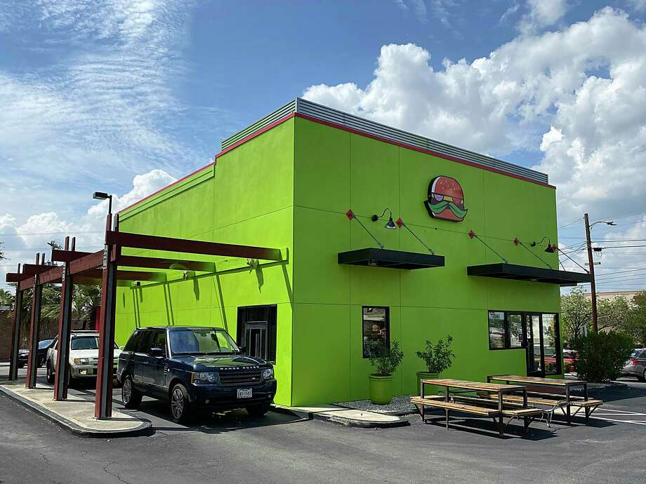 A second location of Mr. Juicy, chef Andrew Weissman's burger joint that was voted the best burger in San Antonio by the Express-News, has opened on San Pedro Avenue. Photo: Mike Sutter /Staff