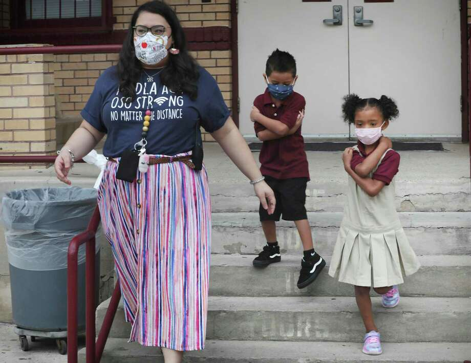 More than 4,500 Texas students and staff have tested positive for COVID-19 since the start of the school year, according to data released by the Texas Department of State Health Services and the Texas Education Agency. Photo: Bob Owen /San Antonio Express-News / ©2020 San Antonio Express-News