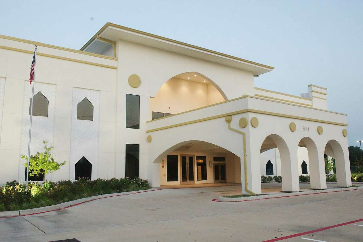 The center offers a variety of community programs, including telehealth and food services for the needy.