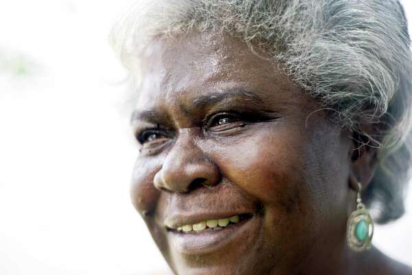 Elaine Mitchell, who broke gender and racial barriers on the Board of Representatives during a lifetime in city politics, has died at 73.