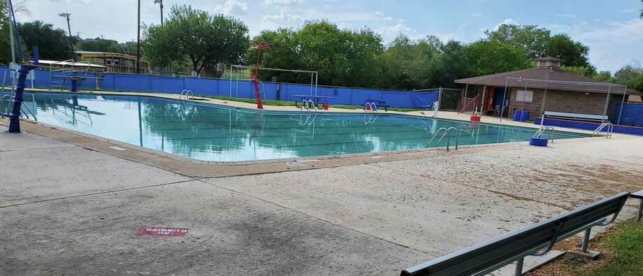 When it reopens, Converse City Park pool will be under the operation of the Judson Independent School District. Photo: Jeff B. Flinn /Staff