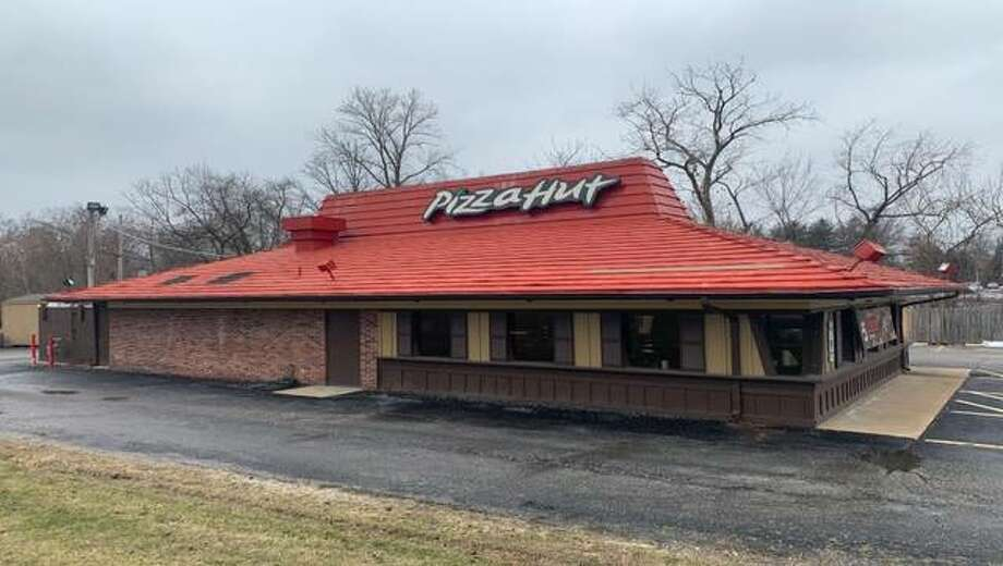 The Pizza Hut at 3030 Godfrey Road has closed, along with Pizza Huts in Bethalto, Jerseyville and Edwardsville. In total, 18 Pizza Hut restaurants in Illinois were closed this week by franchisee NPC International.