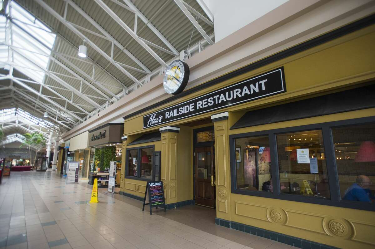 Diners visit the new location of Alex's Railside Restaurant inside Midland Mall on its opening day, Wednesday, Sept. 9, 2020. (Katy Kildee/kkildee@mdn.net)