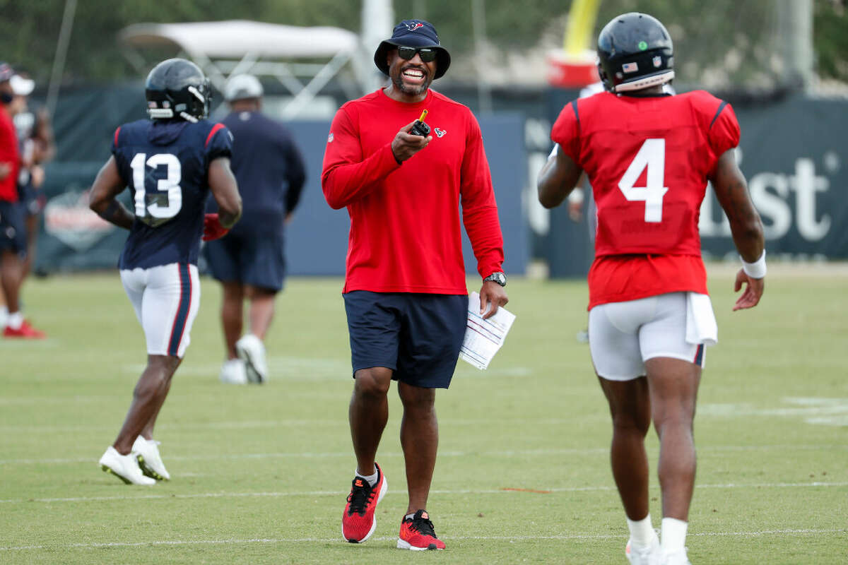 Saratoga Springs graduate Anthony Weaver is in his first season as Houston Texans defensive coordinator. (Brett Coomer/Houston Chronicle)
