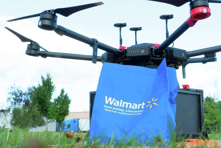 Walmart drone delivery with Flytrex. Photo: Walmart Inc., HO / TNS / Walmart
