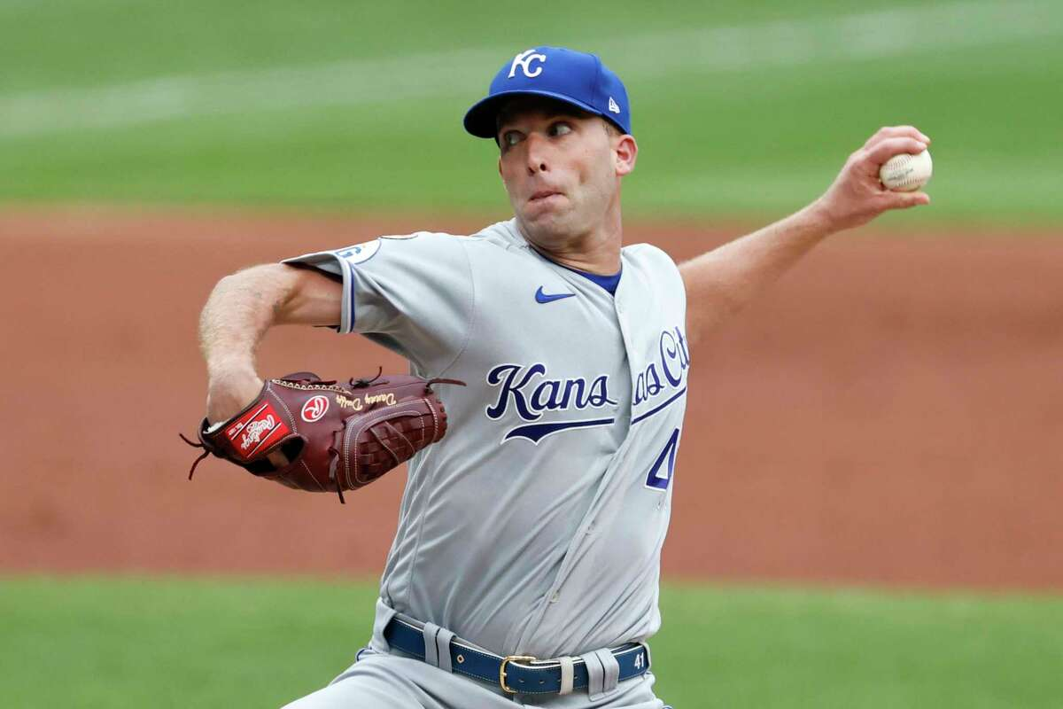 CLEVELAND, OH - SEPTEMBER 09: Danny Duffy #41 of the Kansas City Royals pitches against the Cleveland Indians during the first inning at Progressive Field on September 09, 2020 in Cleveland, Ohio. (Photo by Ron Schwane/Getty Images)