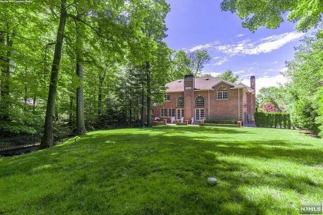Former New York Giants defensive end Chris Canty is hoping to catch a buyer for his massive mansion. The Bronx native's digs are going for $3.99 million. Photo: Realtor.com