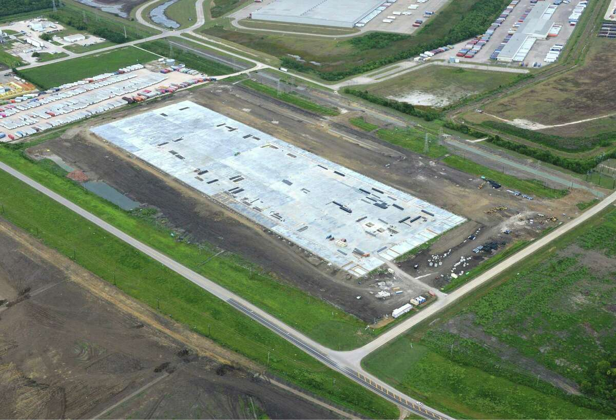 Nonresidential construction starts in the Houston area totaled $559 million in August, according to Dodge Data & Analytics. Hunt Southwest Real Estate Development recently broke ground on the 1 million-square-foot Cedar Port Trade Center in Baytown.