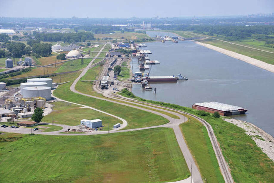 America's Central Port in Granite City has been awarded a $20.84 million BUILD grant from the U.S. Department of Transportation, according to U.S. Reps. John Shimkus, R-Collinsville; Mike Bost , R-Murphysboro, and Rodney Davis, R-Taylorville.