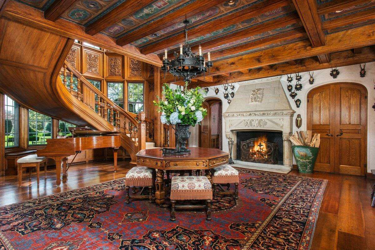 Designer Tommy Hilfiger and his wife, Dee Ocleppo Hilfiger, have put their 22-acre home in backcountry Greenwich, Conn., on the market for $47.5 million.