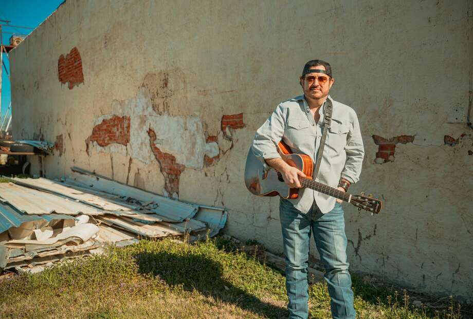 After a 19-year career in the oil industry, Scott Hayley turned in his hardhat to pursue his dream of playing country music. Photo: Courtesy Photo