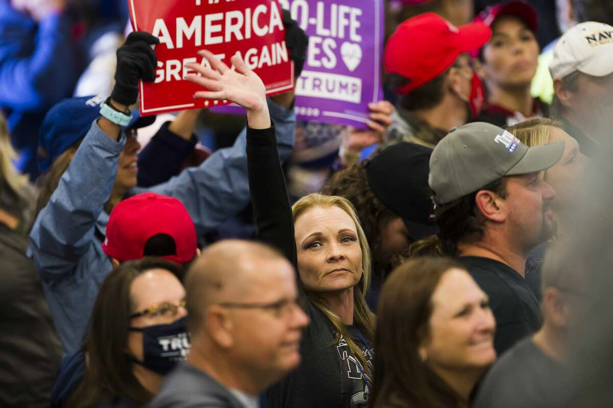 Supporters of President Donald Trump exit after a campaign rally Thursday, Sept. 10, 2020 at MBS International Airport in Freeland. (Katy Kildee/kkildee@mdn.net)